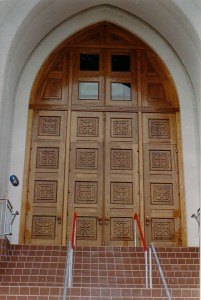 church_doors_04